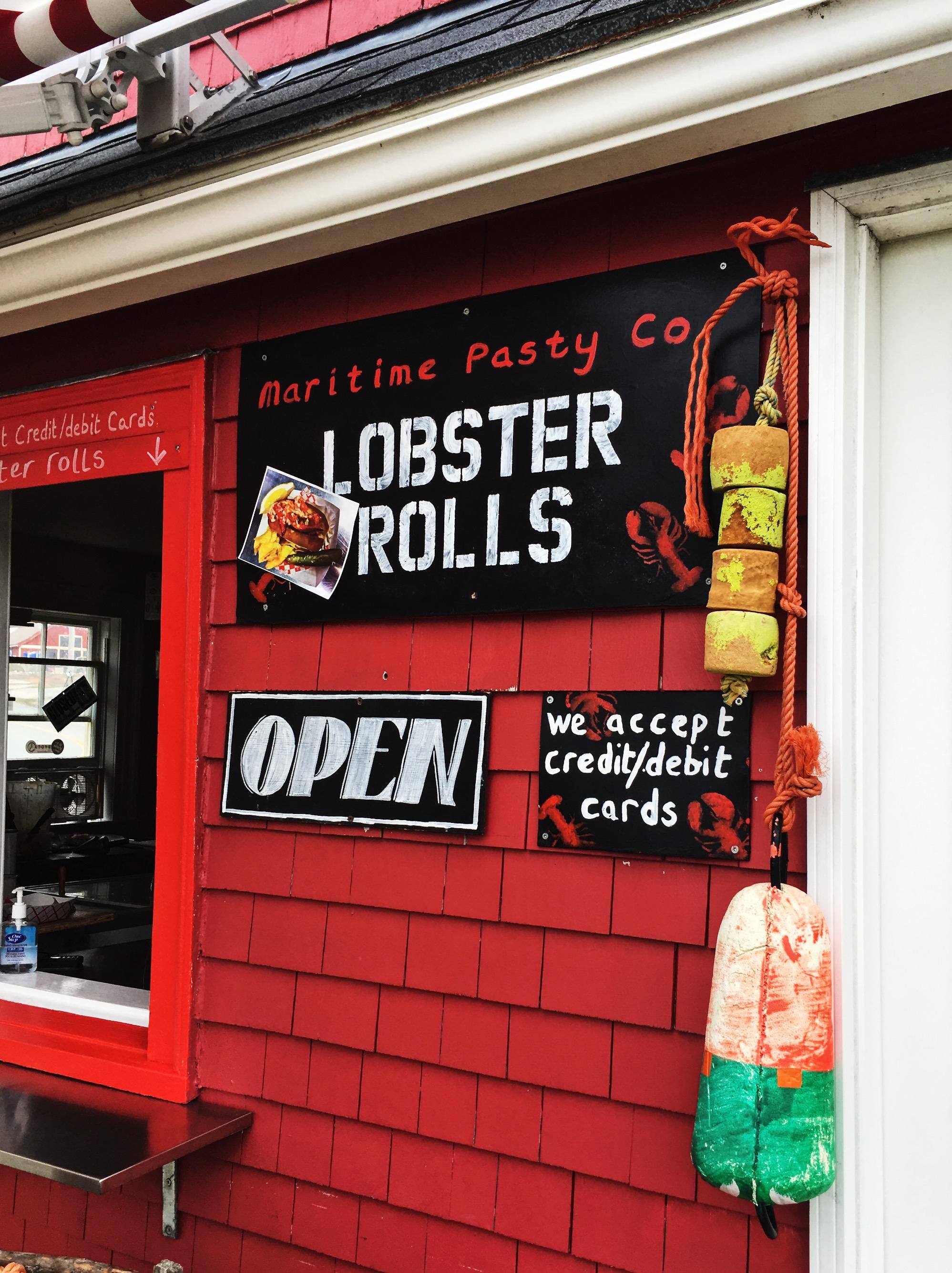 lobster-shack-peggys-cove-nova-scotia